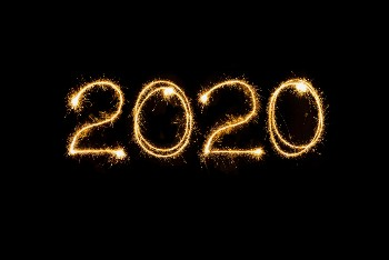 "Sparkler light trail that spells out ""2020"""